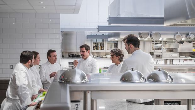 Fine dining kitchen ventilation